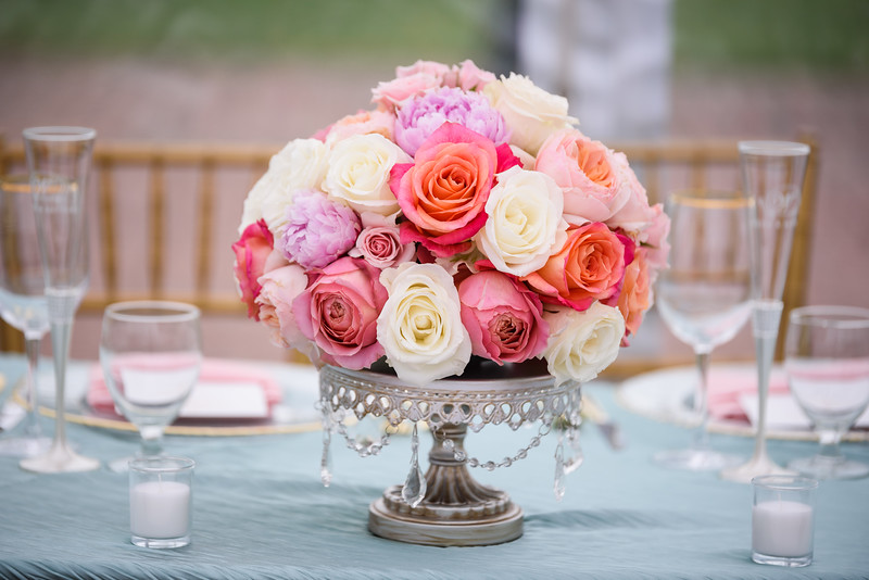 Table Decor | Fresh Flowers | Silver Chandelier Cake Stand