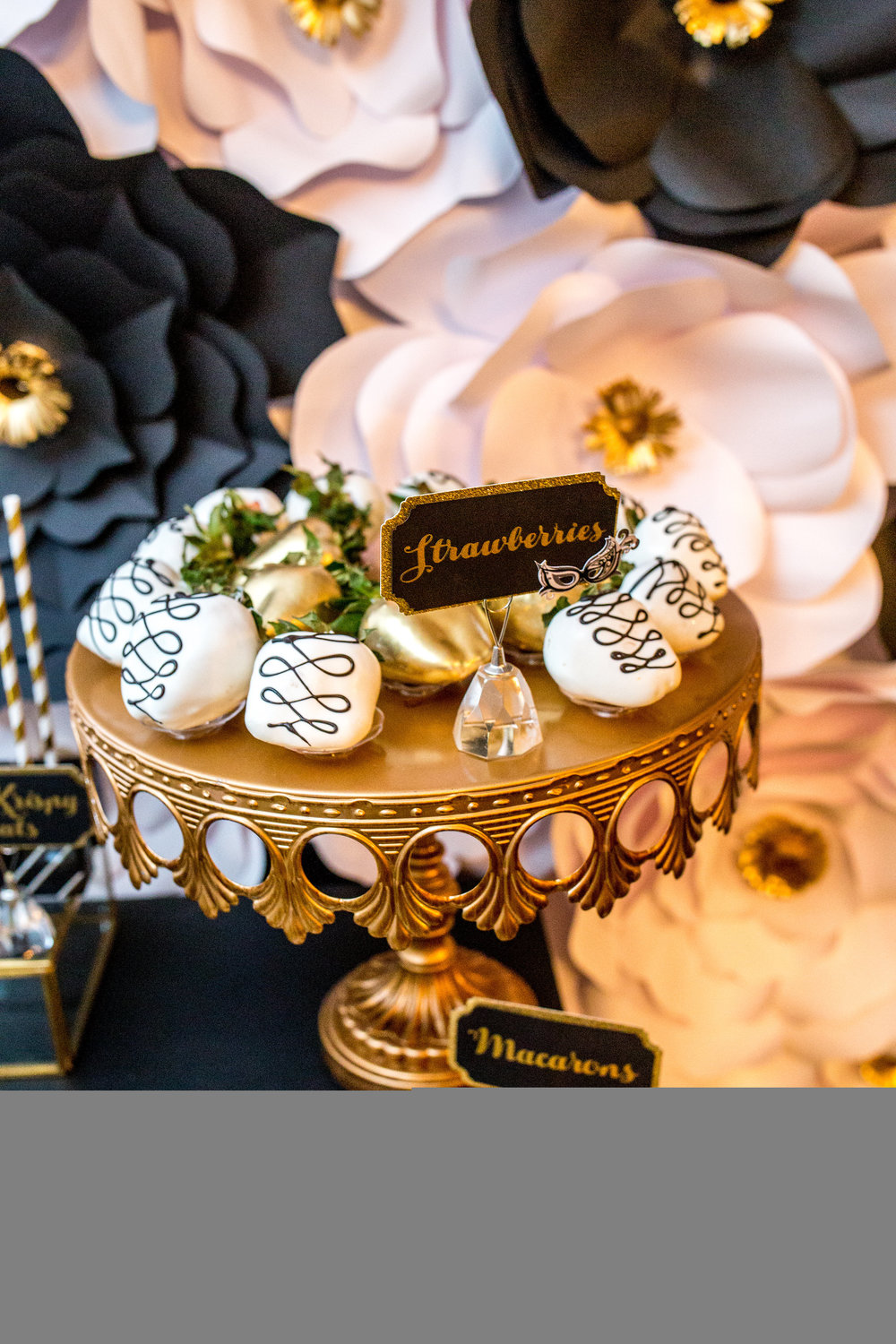 Cake Stands | Dessert Plates| Entertaining Pieces
