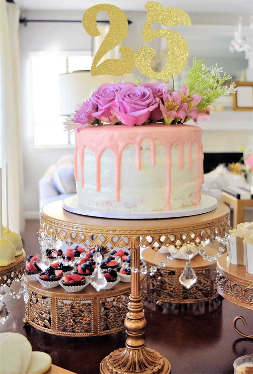 opulent treasures round cake stand