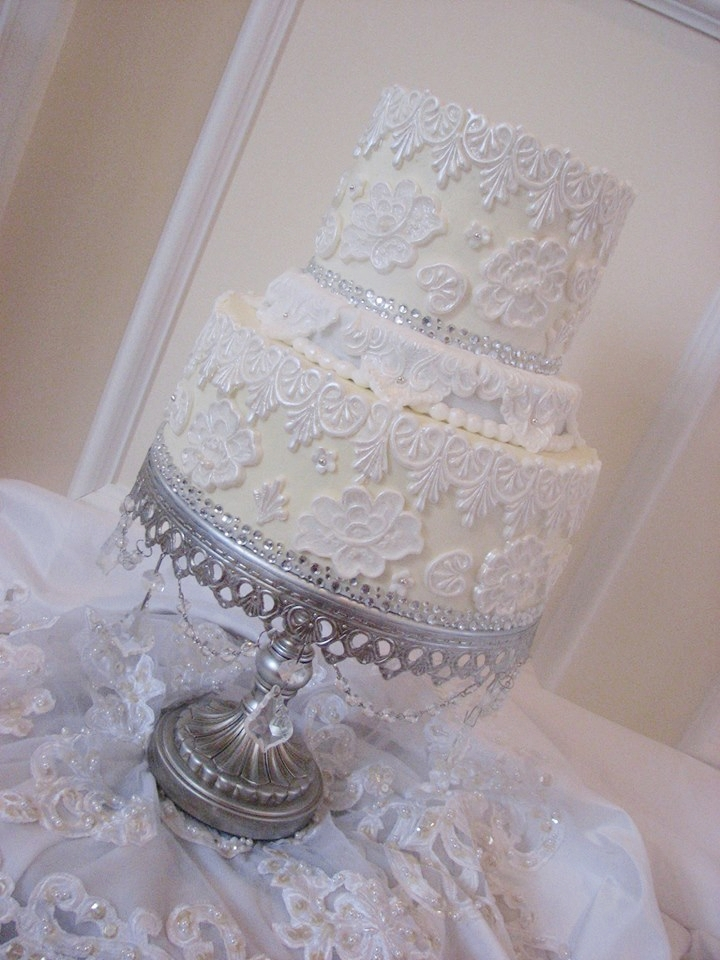 White Wedding Cake | Lace Detail | Silver Chandelier Cake Stand