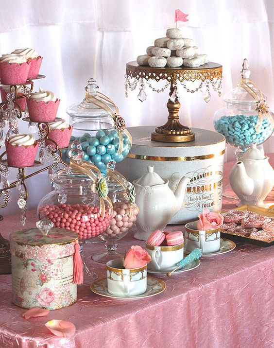 candy-bar-opulent-treasures-cake-stand.jpg