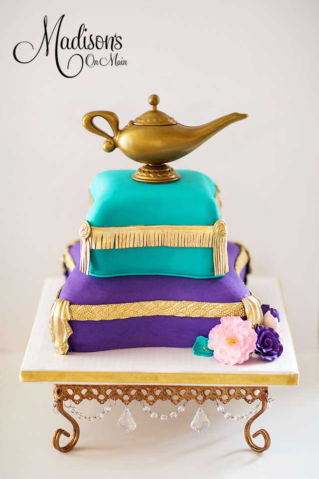 Madisons_On_Main_Cakes_Special_Occasion-097.jpg