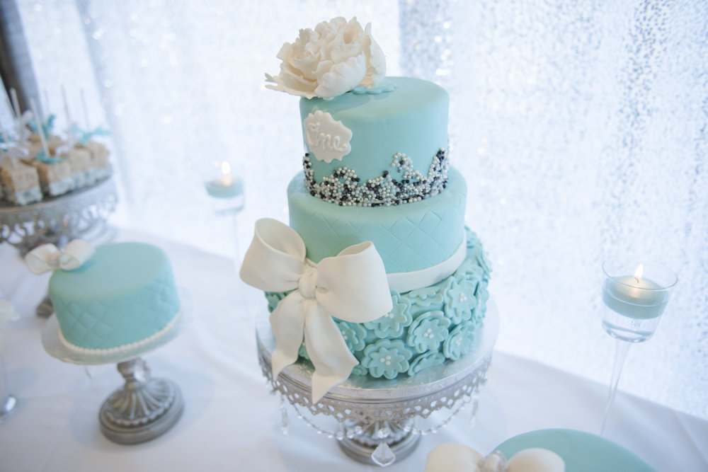 Silver-chandelier-cake-stand-tiffany-blue-first-birthday.JPG