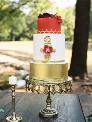 Photo:  Sheradee Hurst    Cake:  Mishelle Handy Cakes