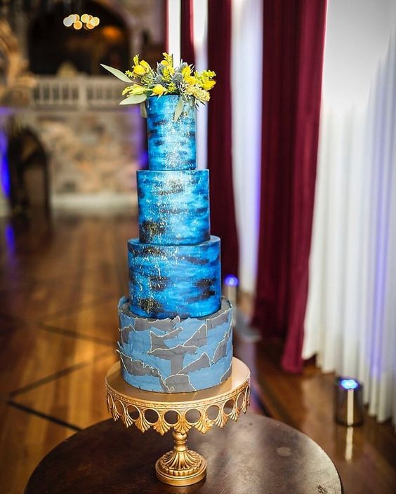 something blue wedding cakes opulent treasures cake stands03.jpg