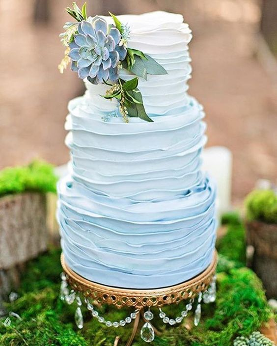 something blue wedding cakes opulent treasures cake stands15.jpg
