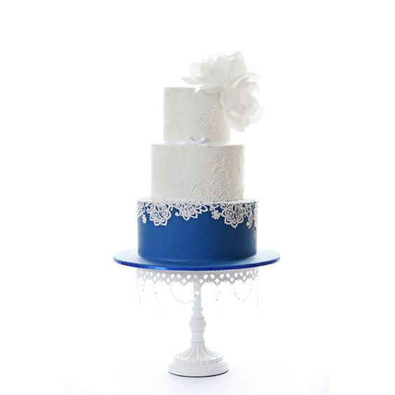 something blue wedding cakes opulent treasures cake stands22.jpg