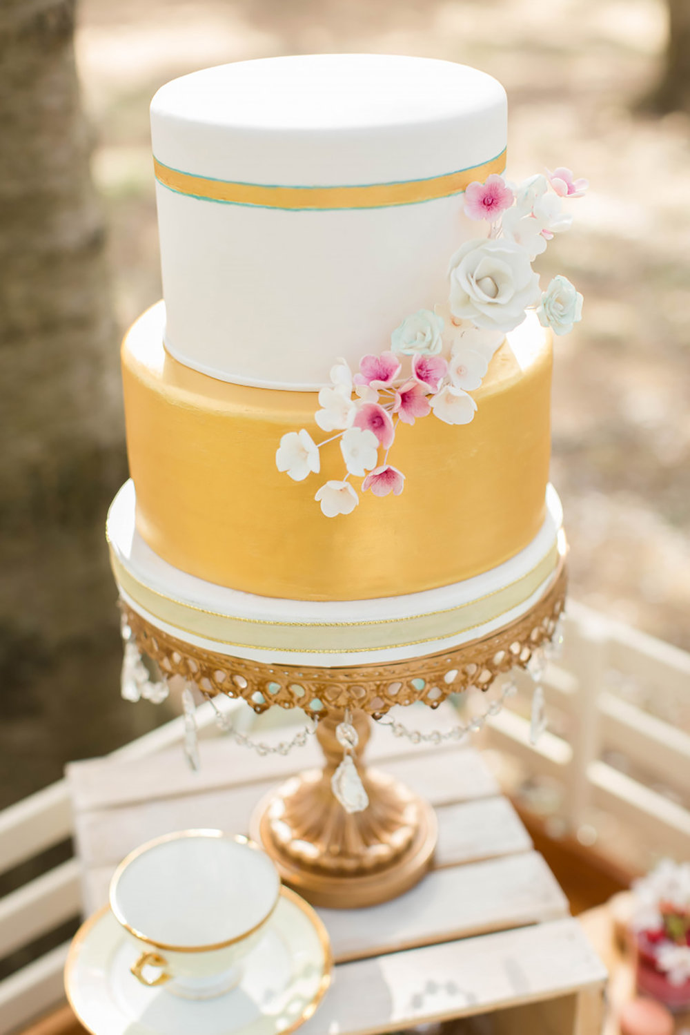 wedding cake opulent treasures gold cake stand_HiRES.jpg