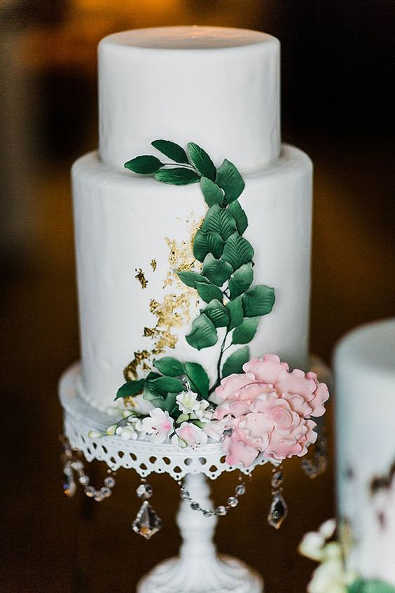 cake:  Joe Gambinos Bakeries  // photo:  Ashley Anna Photography