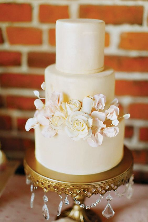 cake:  Sweet Style CA   photo:  Caroline Winata  of  Milou And Olin Photography