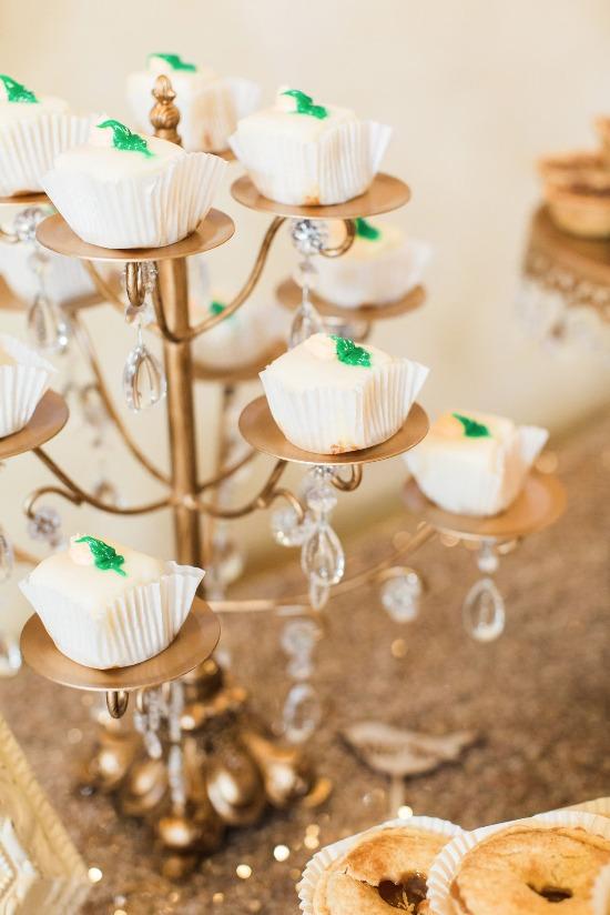 Opulent Treasures 12 piece Chandelier Cup Cake Stand