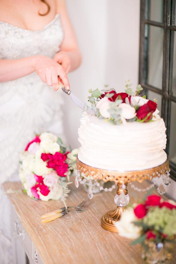 cake  Synies  • photo Le  Secret D'Audrey  • cake stand  Opulent Treasures