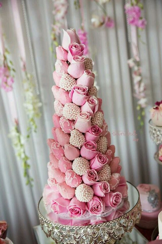 photo  Photography by Sandra  • cake stand  Opulent Treasures