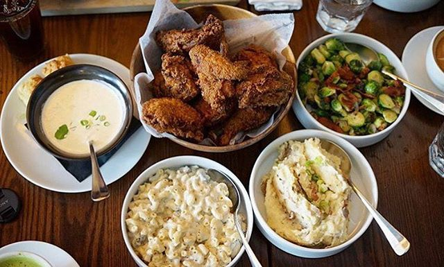 Fried chicken with sides now till 10pm 📷 by @daavieboy #HowToSundayFunday #BrunchSoHard #MuseumDistrict #FriedChicken #HoustonEats