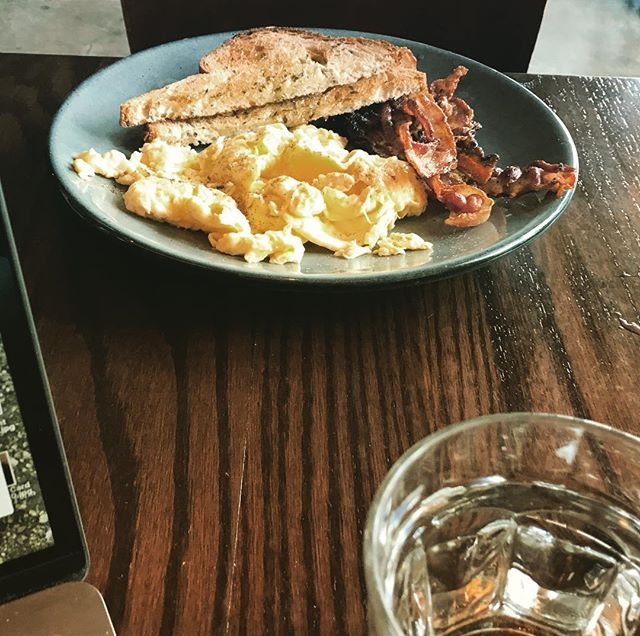 The perfect working breakfast #ButFirstCoffee #AllDayBreakfast #Eggs #MuseumDistrict #HoustonBreakfast #HoustonCoffee #Toast #Bacon #HoustonBrunch #Breakfast