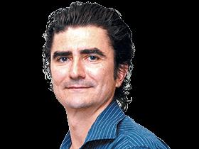 STEPHEN ROMEI /Literary Editor /Sydney / @PairRaggedClaws