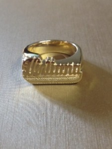 14kt yellow name ring