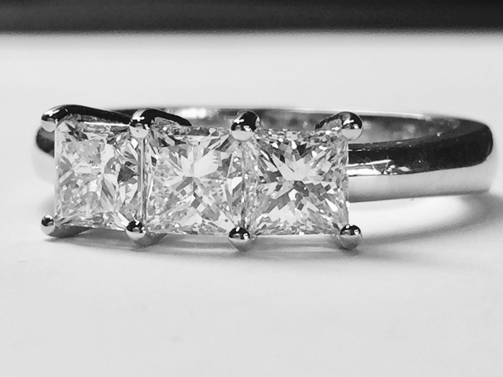 3-stone diamond ring