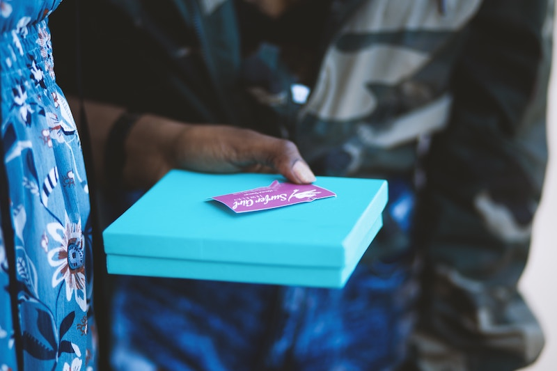 Engagement-party-planning-portland-gifts.jpg