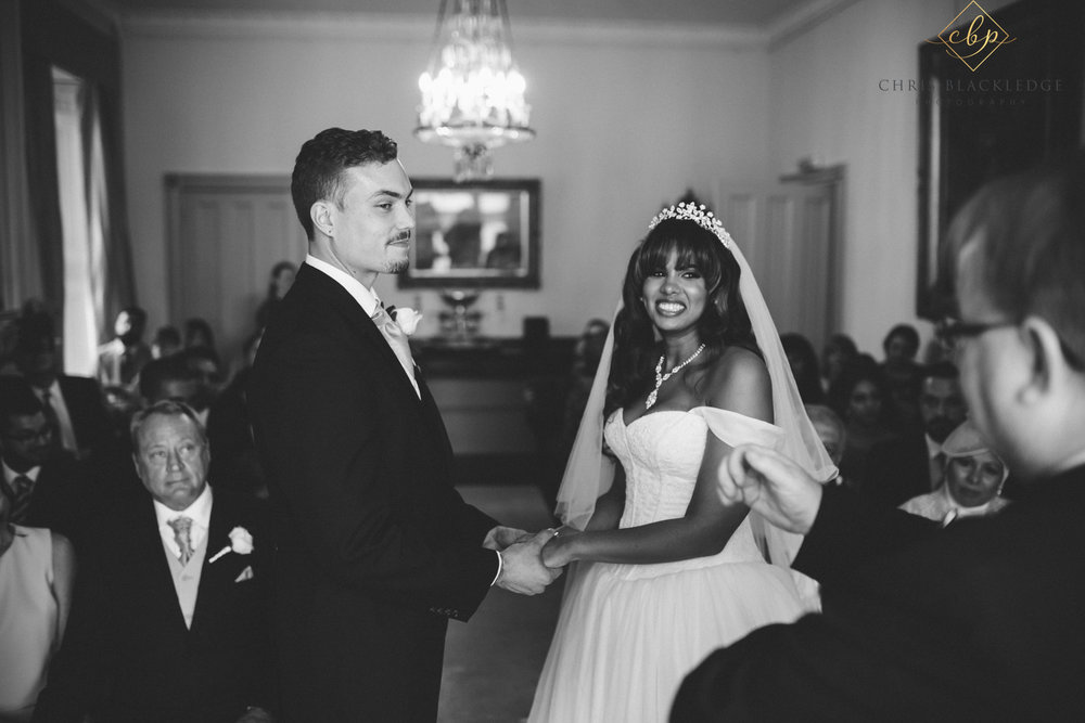 nurstead_court_kent_wedding_photographer27.jpg