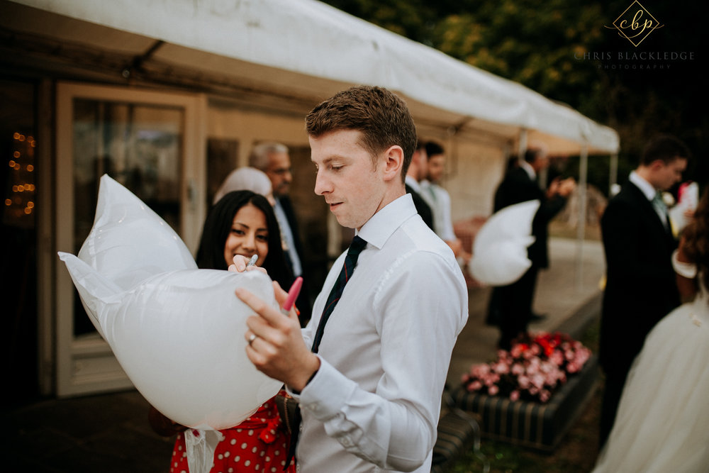 nurstead_court_kent_wedding_photographer58.jpg