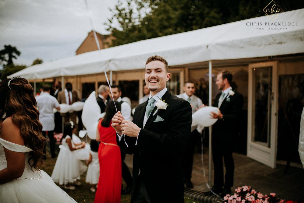 nurstead_court_kent_wedding_photographer61.jpg