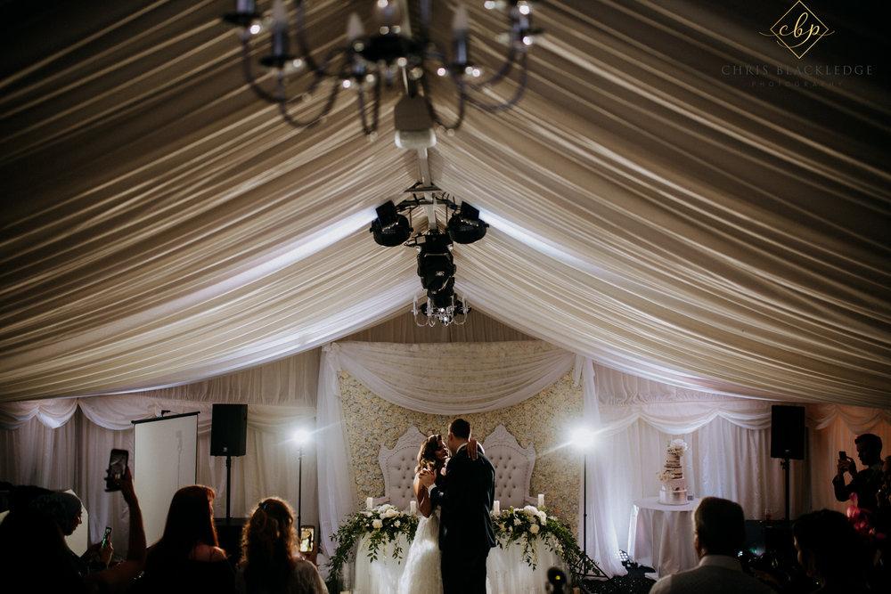 nurstead_court_kent_wedding_photographer72.jpg