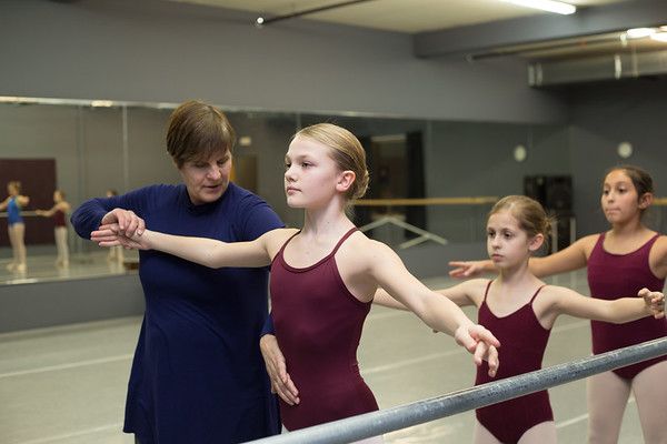 Annemarie Brunner-Abderholden instructing using the Vaganova Method.