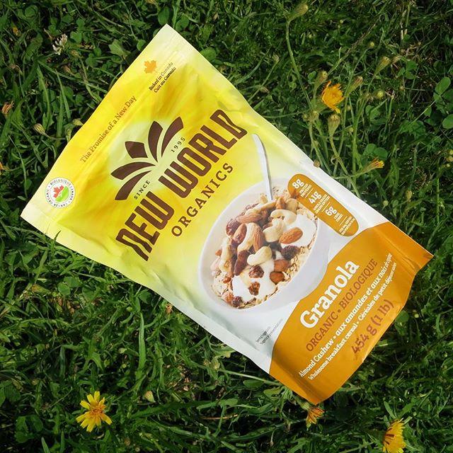 In harmony with the world 🌅 . . . . . . . #natural #organic #organiclife #newworld #newday #breakfast #veganlife #veganeats #cleaneating #cleanliving #vegan #cashews #granola #cashewbutter #madeincanada