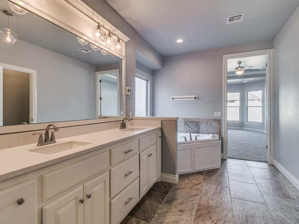 16109 Pointe Manor Ln-17.jpg
