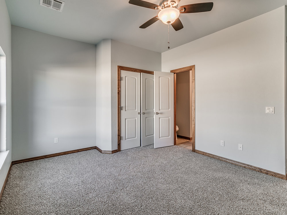 16109 Pointe Manor Ln-35.jpg