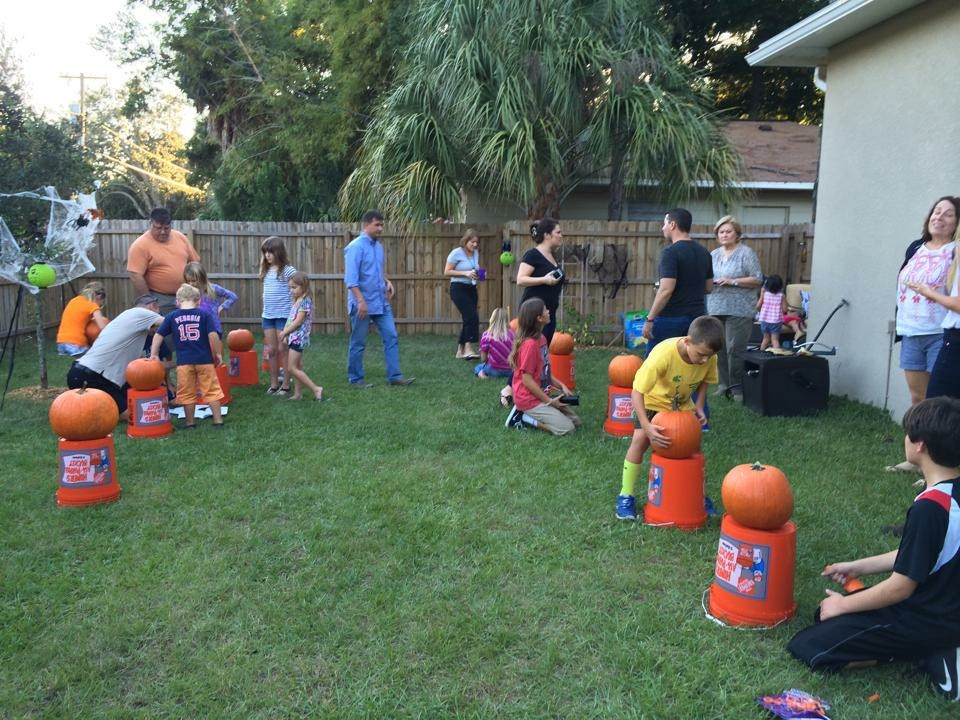 Pumpkin carving contest - new tradition instead of candy