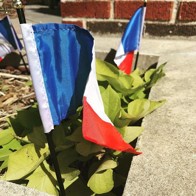 Joyeuse fête de la Bastille! #quatorzejulliet #liveontheplaza