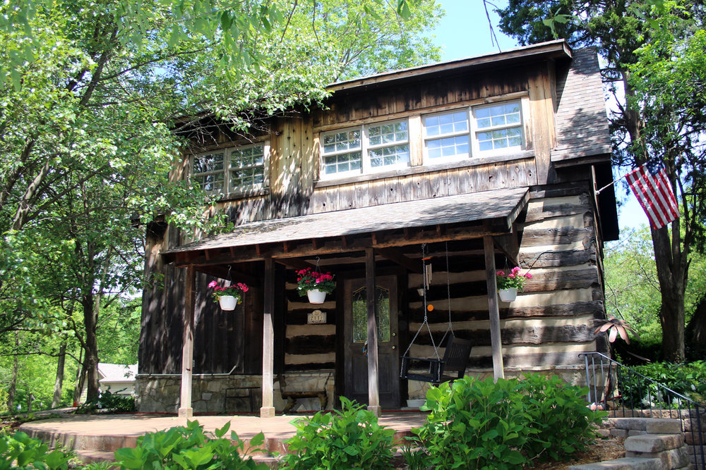 Hoch Homestead log cabin on Sugar Creek Ridge Drive (1840)