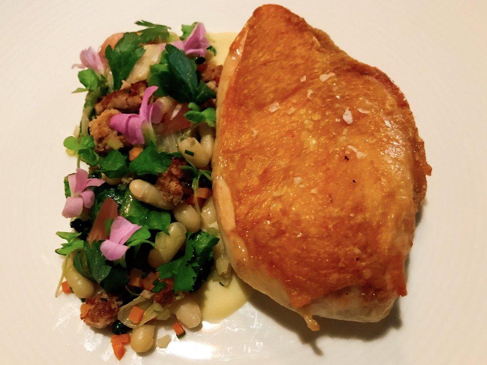 Chicken: flageolet, escarole, sausage and onion