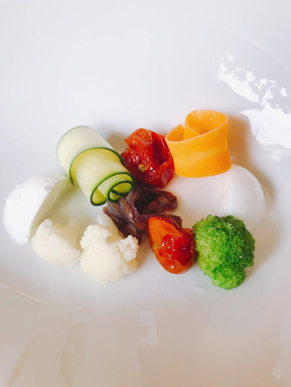 Nero: Buffalo Mozzarella, Tomato, Carrot, Broccoli (Before)