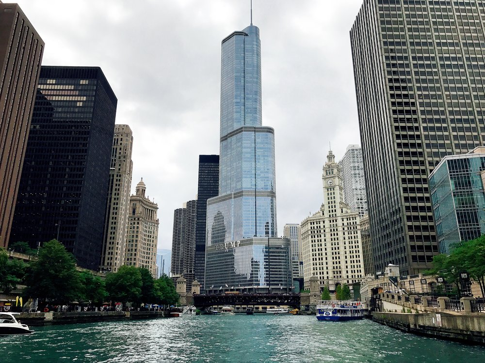 Cruising Down The Chicago River Soaking Up The City