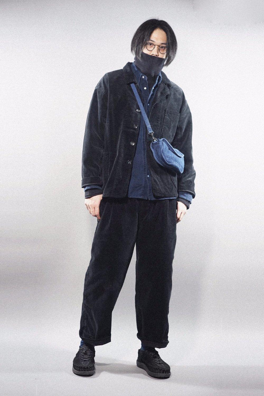 PC - DORDUROY JACKET 2017 - BLACK PC - LINEN WESTERN SHIRT - BLUE PC - FRENCH THERMAL TURTLENECK - BLUE PC - CORDUROY PANTS - BLACK PC - KENDO SHOULDER BAG S KEEN - UNEEK -BLACK
