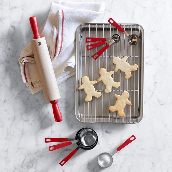 williams-sonoma-junior-chef-bakeware-set-c.jpg