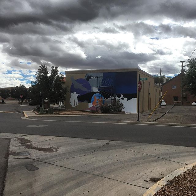City Hall getting all sorts of muraled-out 😯  #socorro #newmexicotrue #paydirt