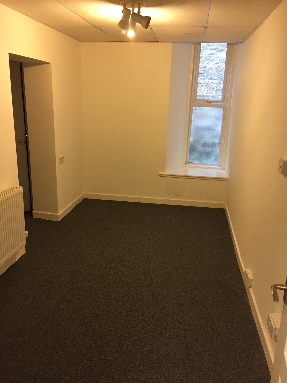 small room 1.jpeg