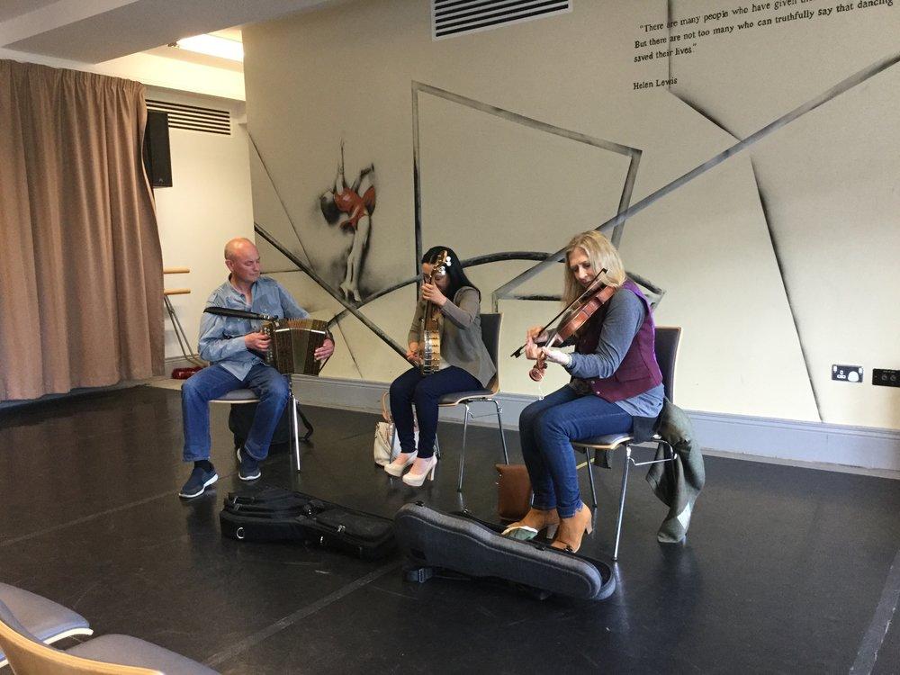 Maireád Ní Mhaonaigh & Angelina Carberry with Dan Brouder