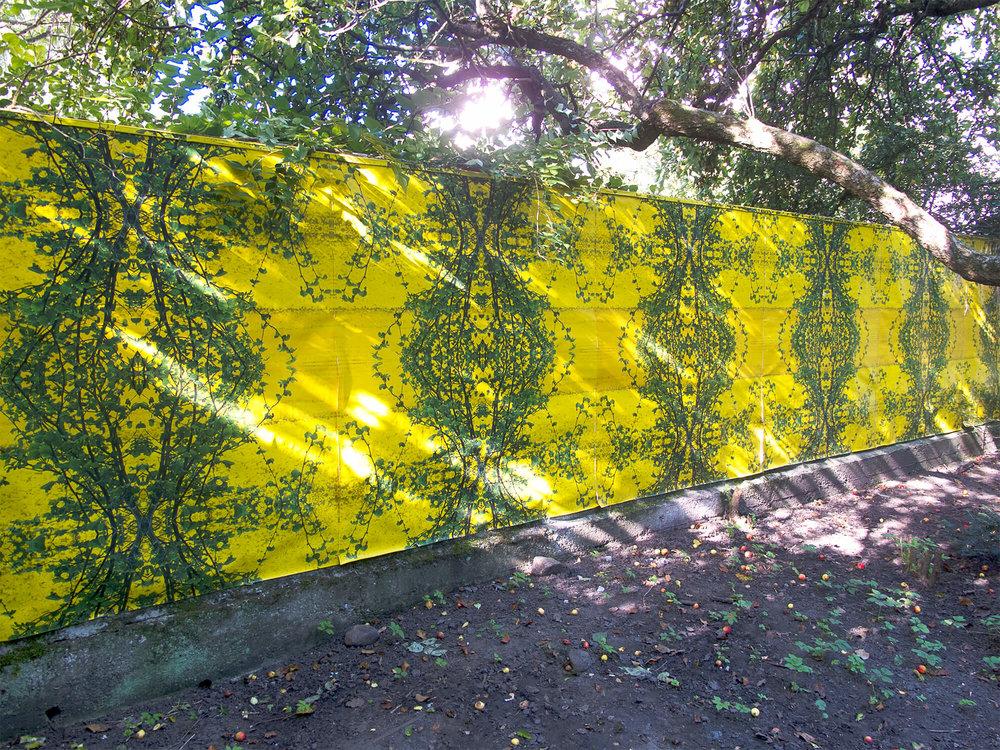 Rapstapet. Stedspecifik installation 10 x 2 m. Digital print, 2013