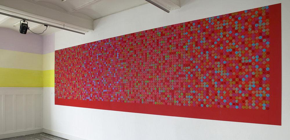 5000 doots, Oil tempera on aluminum, 7 x 2,2 m. 2004