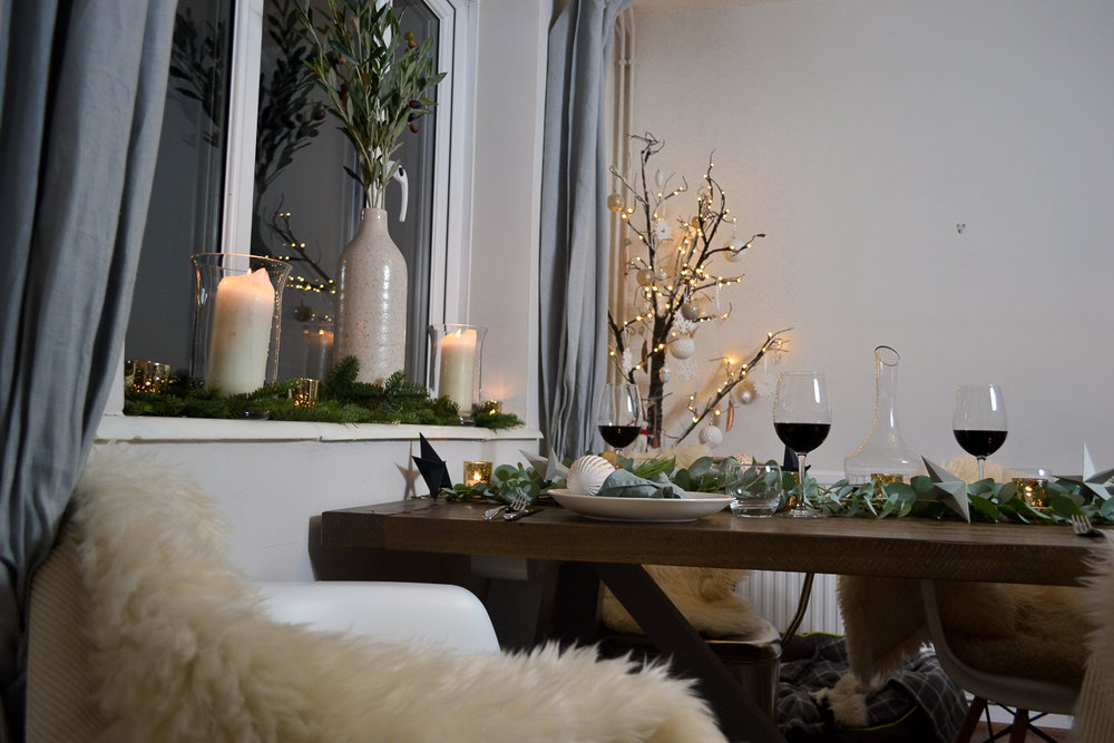 Elizabeth_Christmas_Table__JoWoodfordPhoto-4.jpg