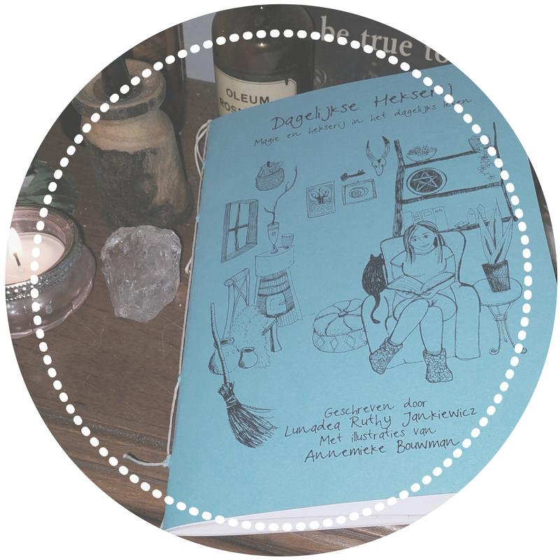 Informatieboekje: Dagelijkse Hekserij      €10,50