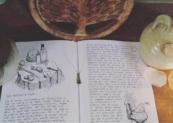 Mijn boeken - Informatieve booklets over hekserij