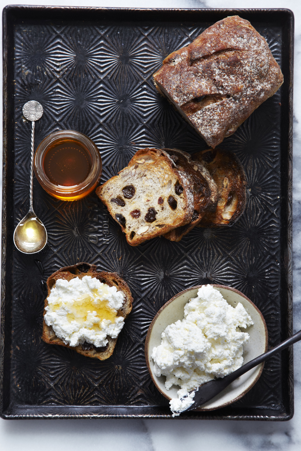 The sweetness of life! Fruit toast-Honey-Ricotta!