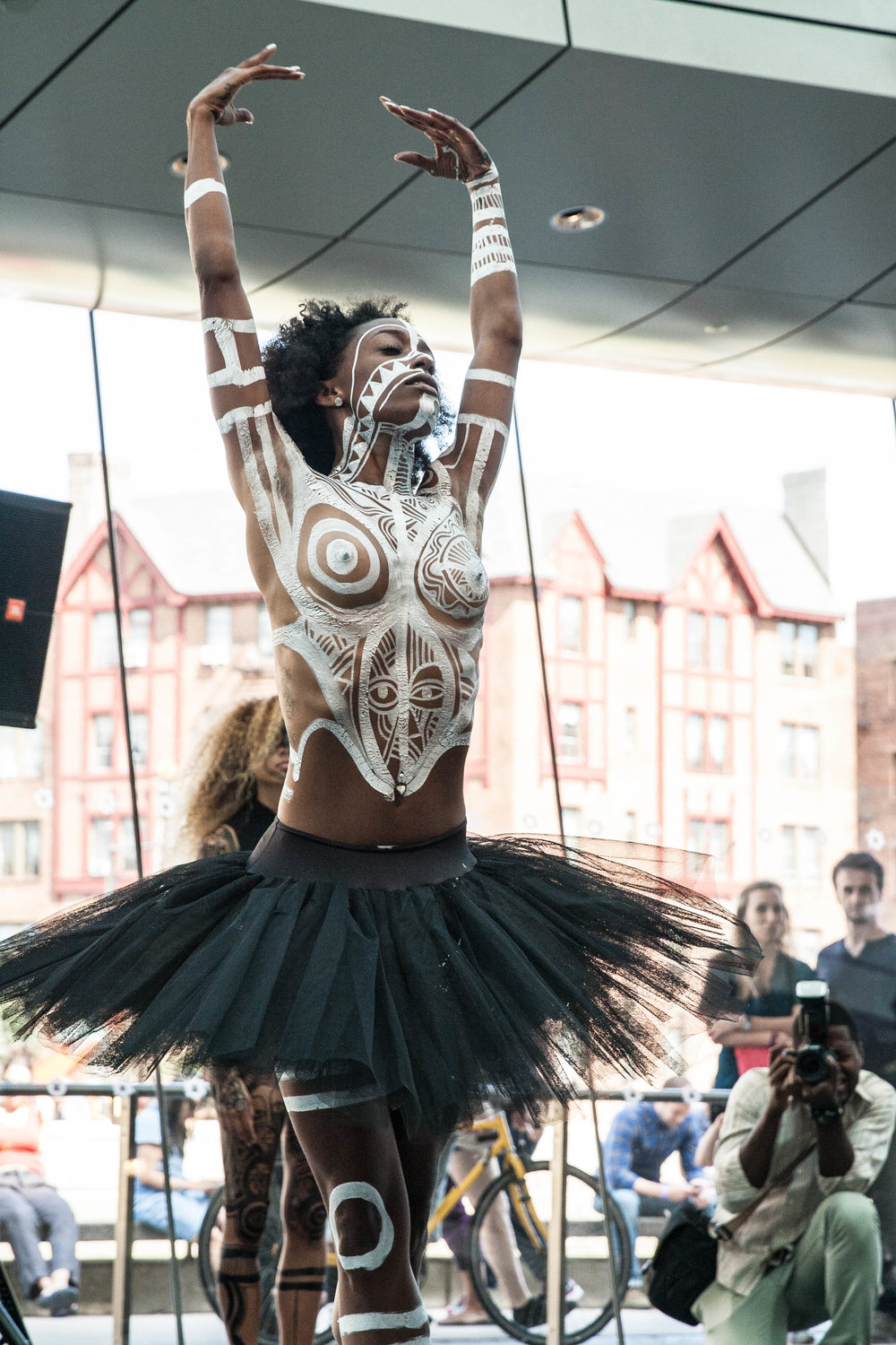 @skiinnyminnieproject performing   at Brooklyn Museum #SacredArtOftheOri by @laolnyc .