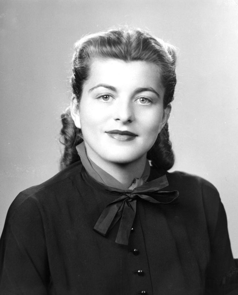Patricia_Kennedy_Lawford_-_circa_1948.jpg